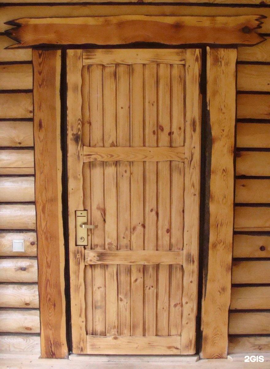 Сделать дверь в баню из простой доски