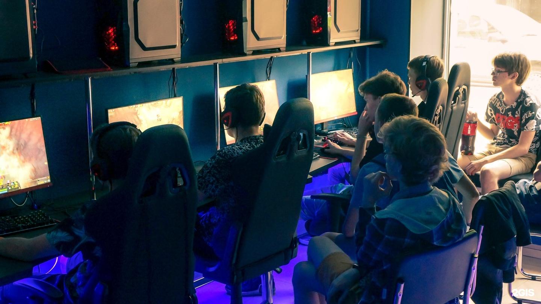 это компьютерные игровые клубы в челябинске нежно раздвигала