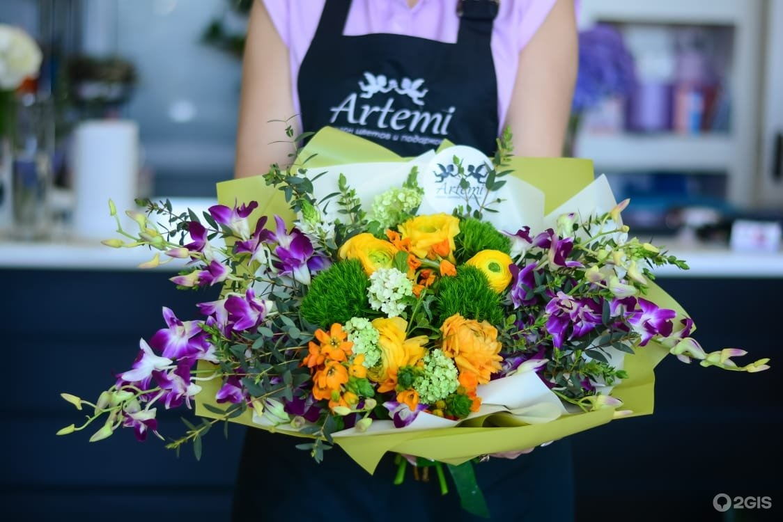 Капля орхидей, набережные челны доставка цветов и подарков